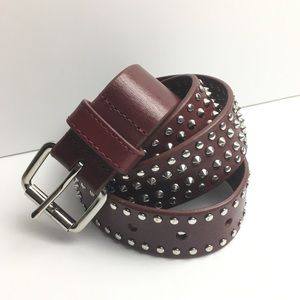 Gap studded belt